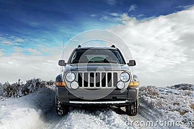 SUV op sneeuw