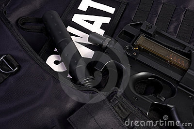 SWAT armor and rifle