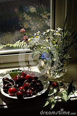 Free Sweet  Cherries, Bunch Of Flowers Stock Photos - 4268543