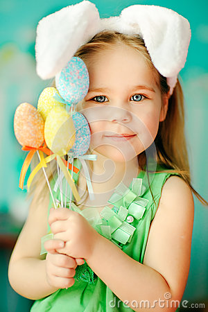 Free Sweet Little Girl Dressed In Easter Bunny Ears Stock Photo - 38876360
