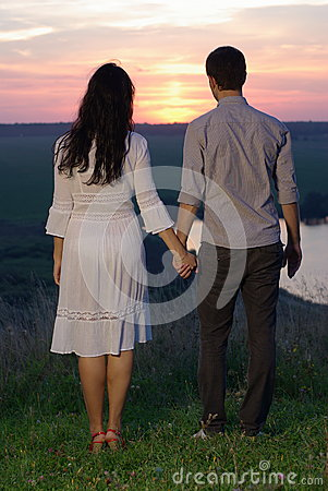 Free Sweethearts At Sunset Royalty Free Stock Photos - 33319018