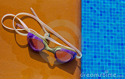 Swiming glasses by pool