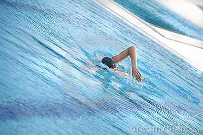 Swimmer swimming front crawl