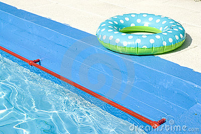 Swimming-belt near pool