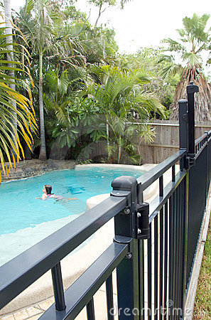 Free Swimming Pool Fence Stock Photography - 12770352