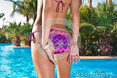 Προκλητική πίσω πλευρά σε swimwear