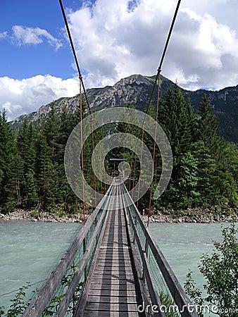 Free Swing Bridge Royalty Free Stock Photography - 25788777