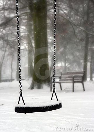 Free Swing In Winter Royalty Free Stock Images - 3366909