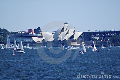 Sydney opera house with queen victoria cruise ship Editorial Photography