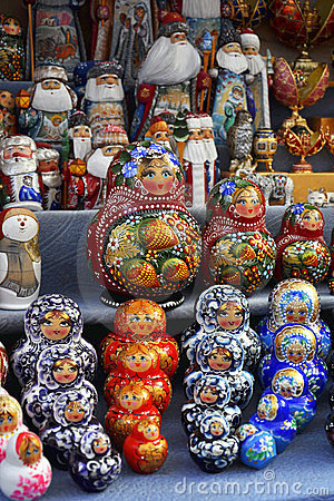 Symbolic souvenirs of Russian culture on sale