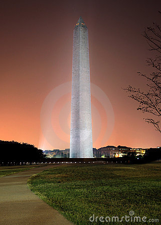 Symbolic Washington Monument at sunrise with colorful sky