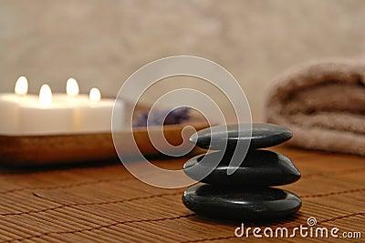 Symbolisches Zen spornte SteinKern in einem Badekurort an