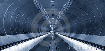 Symmetrical rings in subway tunnel Rotterdam