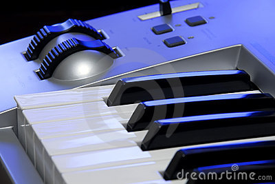 Synthesizer keyboard and controls