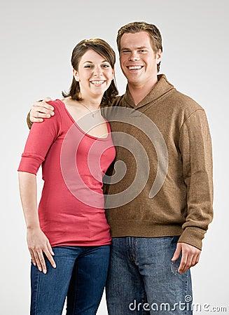 Szczęśliwy pary przytulenie