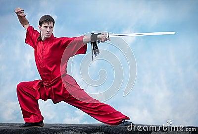 Sztuki mężczyzna wojenny praktyka czerwieni wushoo