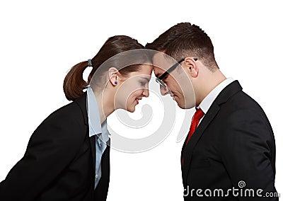 Tête de couples d affaires dans la tête