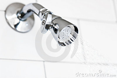 Tête de douche de chrome de briller