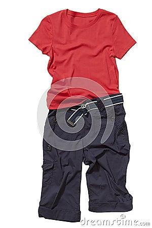 套T恤杉和短裤