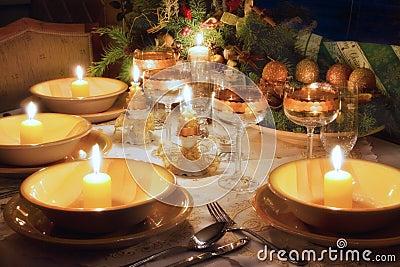 Tabela de jantar do Natal com modo do Natal