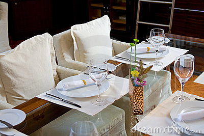 Table arrangement in expensive restaurant