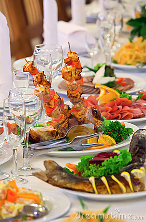 Free Table Set For An Event Party Or Wedding Reception Royalty Free Stock Photography - 21230407