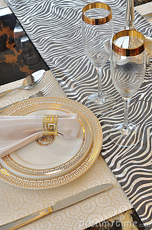 Table setting and dishware