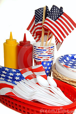 Free Table Setting For A 4th Of July Picnic Royalty Free Stock Photography - 9103927