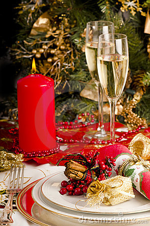 Free Table Setting For Christmas Meal. Royalty Free Stock Photo - 17270355