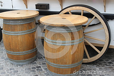 Tables barrels