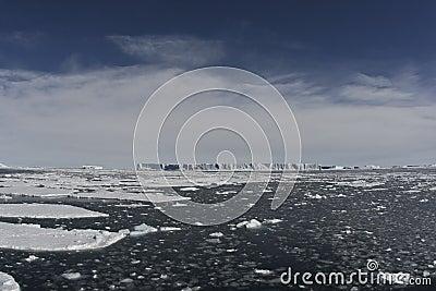 Tabular icebergs in ocean