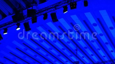 Taches lumineuses sur la grille des lumières clips vidéos