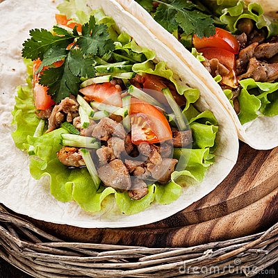 Free Tacos With Chicken Royalty Free Stock Images - 37231039