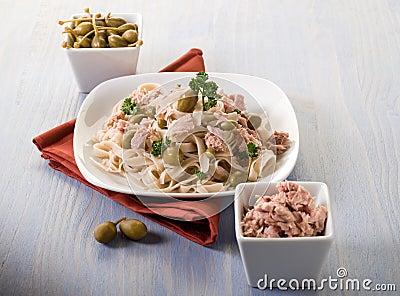 Tagliatelle with tuna and capers