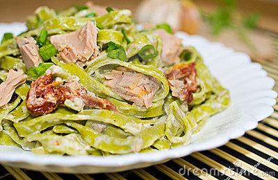 Tagliatelle with tuna and dried tomatoes