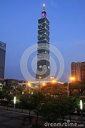 Free Taipei 101, High Rise Building In Taipei, Taiwan, ROC Night Scene Stock Image - 92490691
