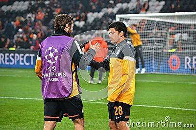 Taison i Srna przed dopasowaniem Champions League Fotografia Editorial