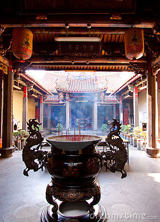 Taiwan temple courtyard