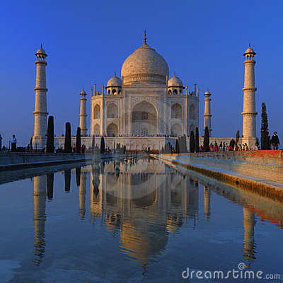 Free Taj Mahal - Agra, India Royalty Free Stock Photo - 5868725