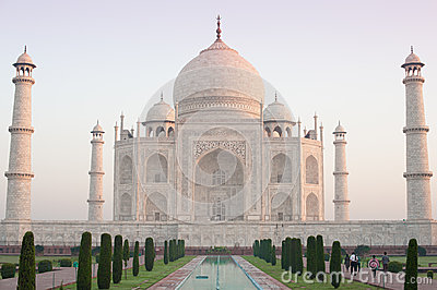Taj Mahal at sunrise 1