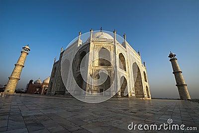 Taj Mahal Wide Angle View, Travel to Agra, India
