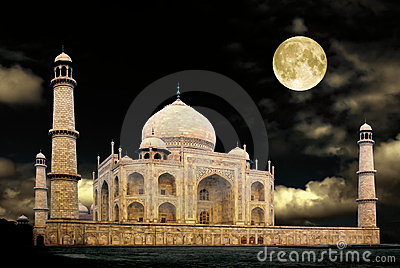 Taj-night