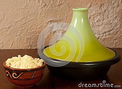 Tajine dish closed