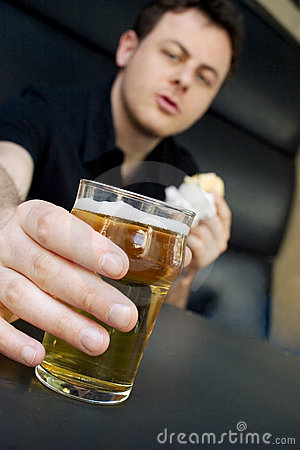 Free Take-a-beer Royalty Free Stock Photography - 721207