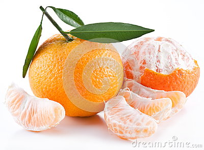 Tangerines with leaves.
