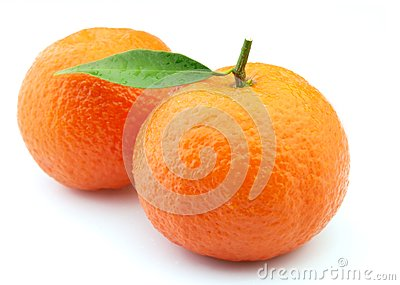 Tangerines in water droplets