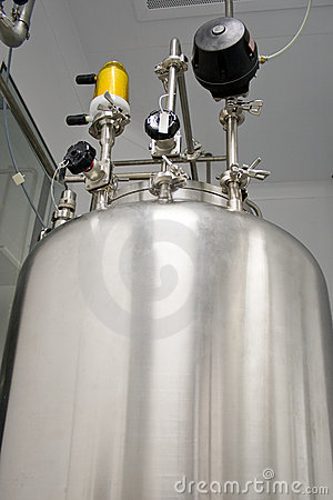 Tank in a clean room, production