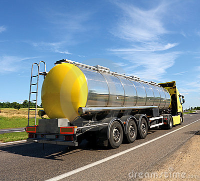 Free Tanker Truck Royalty Free Stock Photography - 16909947