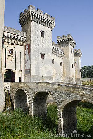 Tarascon castle entrance