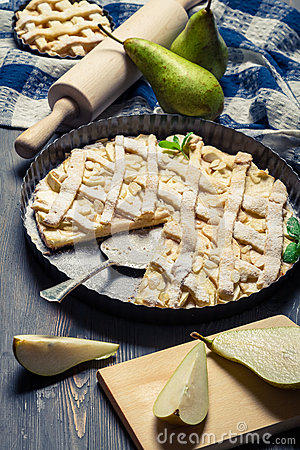 Tart made with fresh pears